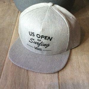 NWT Grey Vans Snapback Hat